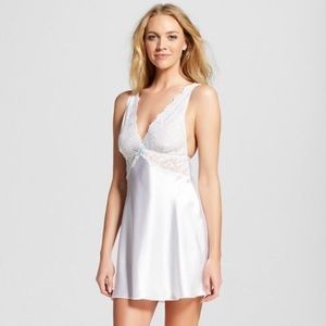 NWT Gilligan and O'Malley white chemise